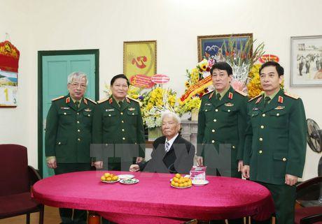 Doan Quan uy Trung uong den mung tho Dai tuong Le Duc Anh - Anh 1