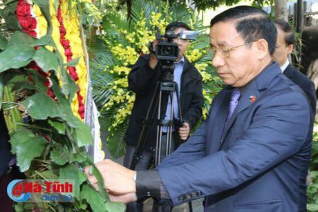 Nhan dan Viet Nam tuong nho lanh tu Cuba Fidel Castro - Anh 11