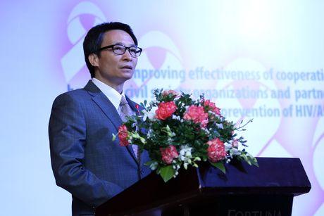 Phong, chong HIV/AIDS can su dong hanh, chia se cua cong dong - Anh 1