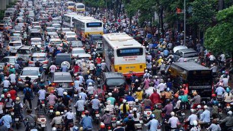 Ha Noi tinh chuyen thu phi xe giam tac duong - Anh 1