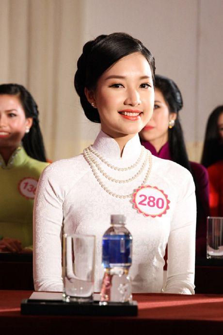 'Nang tho xu Hue' gay sot Hoa hau VN 2016 bat ngo tai xuat - Anh 7