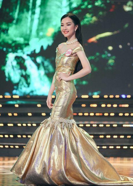 'Nang tho xu Hue' gay sot Hoa hau VN 2016 bat ngo tai xuat - Anh 9