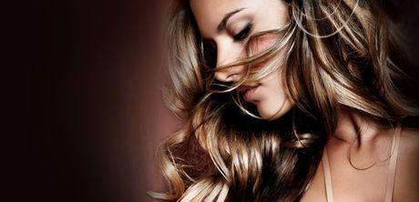 Alessandra Ambrosio - 'thien than' me Barca nong nan trong do noi y - Anh 1