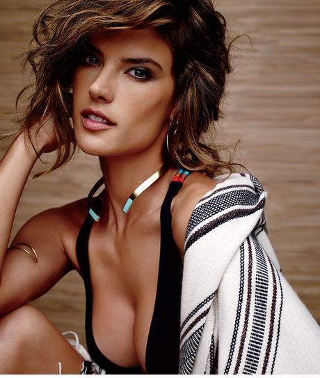 Alessandra Ambrosio - 'thien than' me Barca nong nan trong do noi y - Anh 5