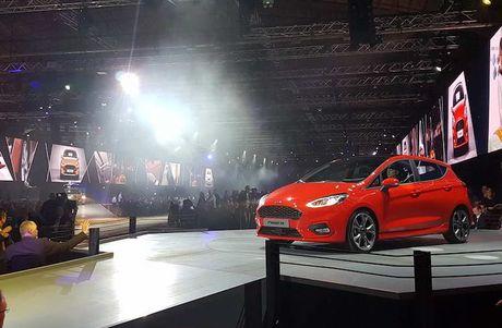 Soi 'anh song' Ford Fiesta 2017 vua ra mat tai Duc - Anh 1