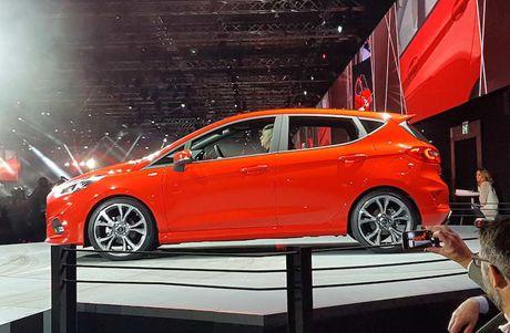 Soi 'anh song' Ford Fiesta 2017 vua ra mat tai Duc - Anh 3