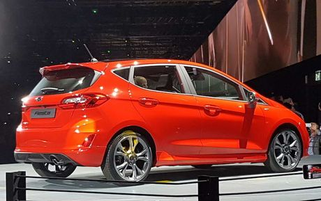 Soi 'anh song' Ford Fiesta 2017 vua ra mat tai Duc - Anh 4