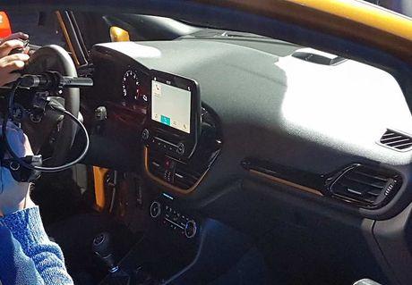 Soi 'anh song' Ford Fiesta 2017 vua ra mat tai Duc - Anh 8