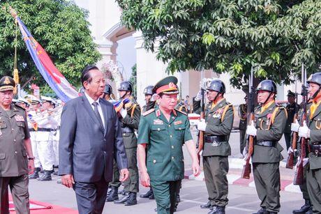Viet Nam giup Campuchia dao tao gan 17.000 si quan - Anh 2