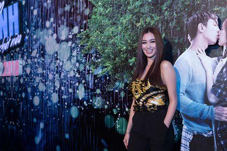 Vang Hong Dao, Quang Minh le bong ra mat phim moi - Anh 9