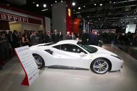 'Soi' sieu xe Ferrari 488 Spider qua canh sap ve Viet Nam - Anh 4