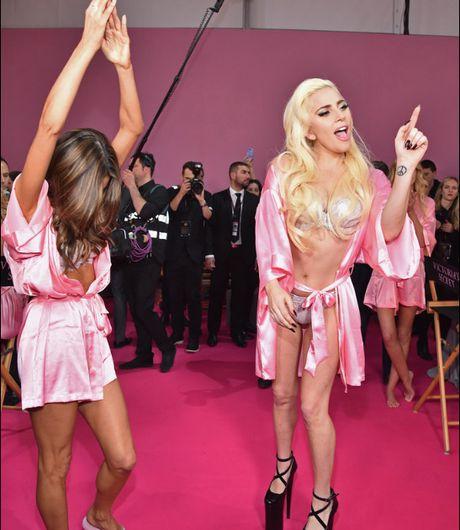 Lady Gaga quay tung trong show Victoria's Secret - Anh 4