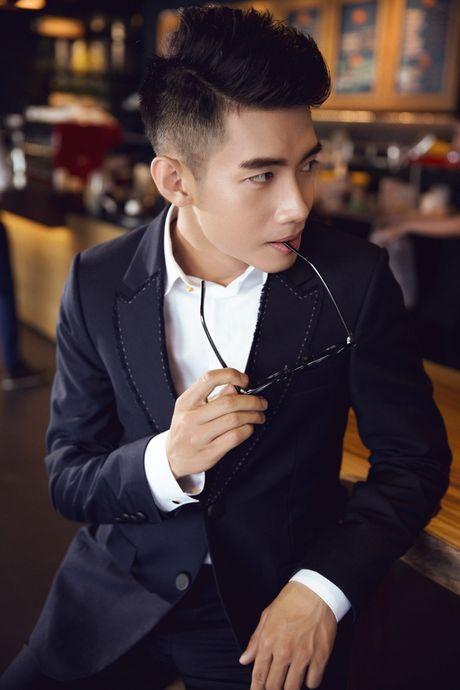 'Soai ca' Quang Dang khien cac fan nu 'do ram ram' - Anh 7