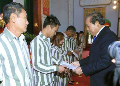 Pho Thu tuong Truong Hoa Binh du le cong bo quyet dinh dac xa - Anh 1