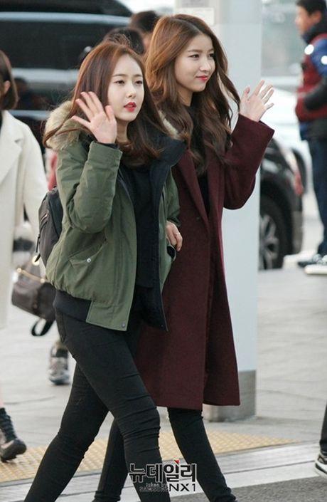 Taeyeon, Kim Yoo Jung dep tua thien than tai san bay di du MAMA 2016 - Anh 18