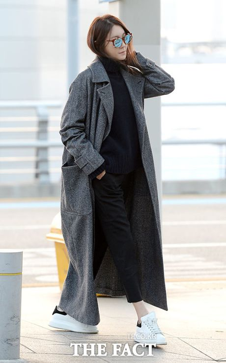 Taeyeon, Kim Yoo Jung dep tua thien than tai san bay di du MAMA 2016 - Anh 6
