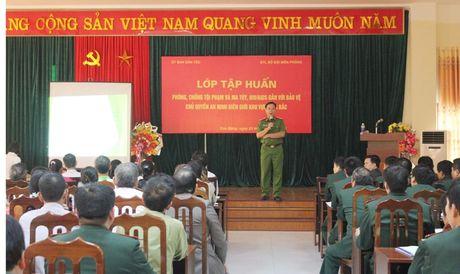 Phat huy vai tro cua nguoi co uy tin trong cong dong - Anh 1