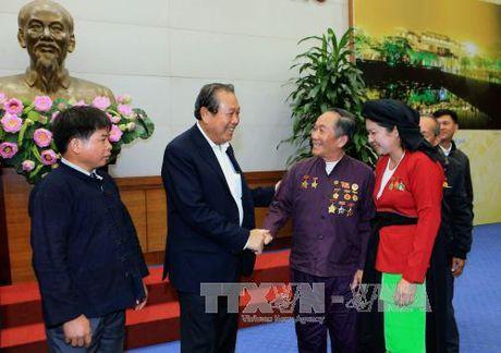 Pho Thu tuong Truong Hoa Binh gap mat dong bao thieu so Bac Giang tieu bieu - Anh 1
