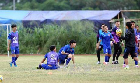 AFF CUP 2016: Doi tuyen Viet Nam tap kin - Anh 1