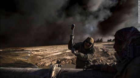 Chien su Mosul: IS su dung nuoc lam 'vu khi' - Anh 1