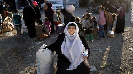 Chien su Mosul: IS su dung nuoc lam 'vu khi' - Anh 3