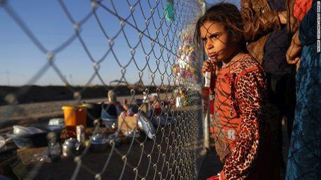 Chien su Mosul: IS su dung nuoc lam 'vu khi' - Anh 4