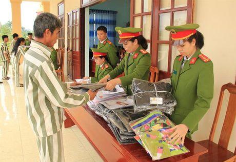 30 pham nhan Trai giam Dong Son duoc dac xa - Anh 2