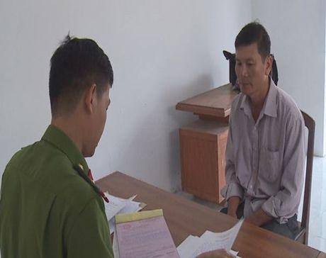 Xu phat doi tuong bao tin gia bi cuop gan nua ty dong - Anh 1