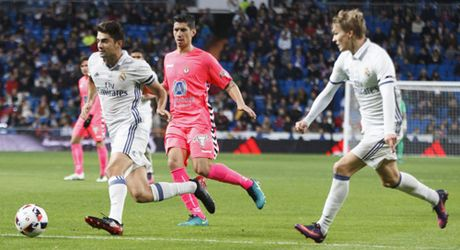 Real Madrid - Leonesa: Dai tiec & con trai Zidane - Anh 1