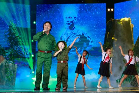 Nghe si Quang Ly qua doi de lai nhung tinh khuc ghi dau an cho khan gia - Anh 2
