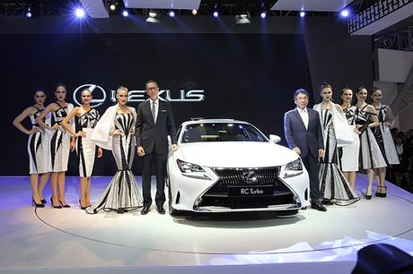 Lexus RC Turbo 2017 chinh thuc co mat tai Viet Nam - Anh 1