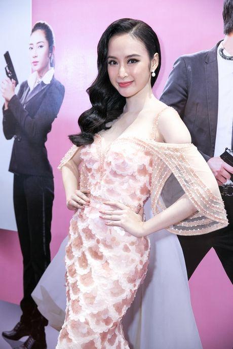 Angela Phuong Trinh duoc hang chuc ve si ho tong - Anh 5