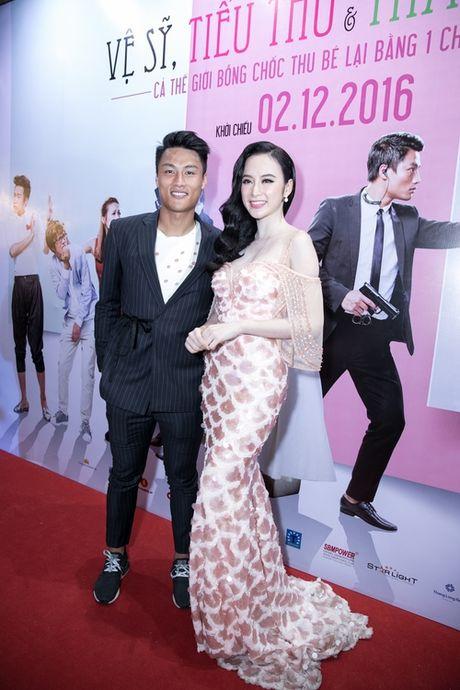 Angela Phuong Trinh duoc hang chuc ve si ho tong - Anh 6