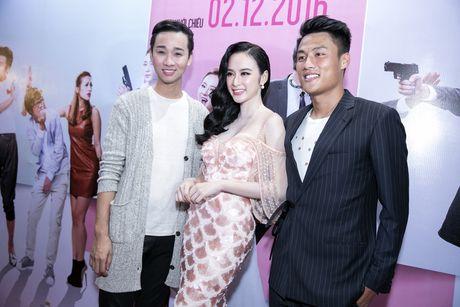 Angela Phuong Trinh duoc hang chuc ve si ho tong - Anh 7
