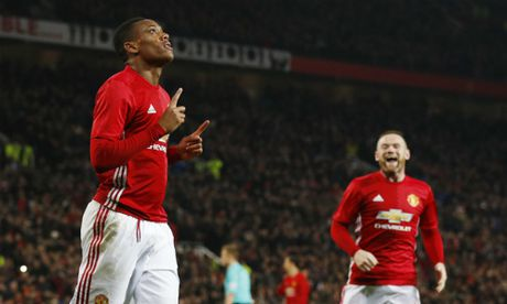 Ibrahimovic va Martial ghi cu dup, M.U de bep West Ham - Anh 1