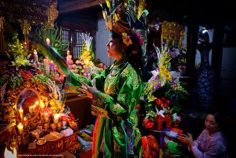 Thuc hanh Tin nguong tho Mau Tam phu tro thanh Di san van hoa phi vat the the gioi - Anh 1