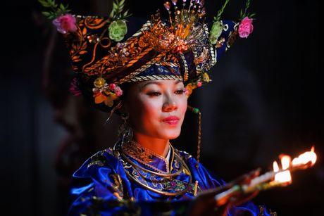 Thuc hanh Tin nguong tho Mau Tam phu tro thanh Di san van hoa phi vat the the gioi - Anh 2