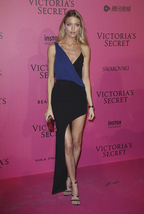 Hau tiec Victoria's Secret fashion show va dan thien than 'mac cung nhu khong' - Anh 13