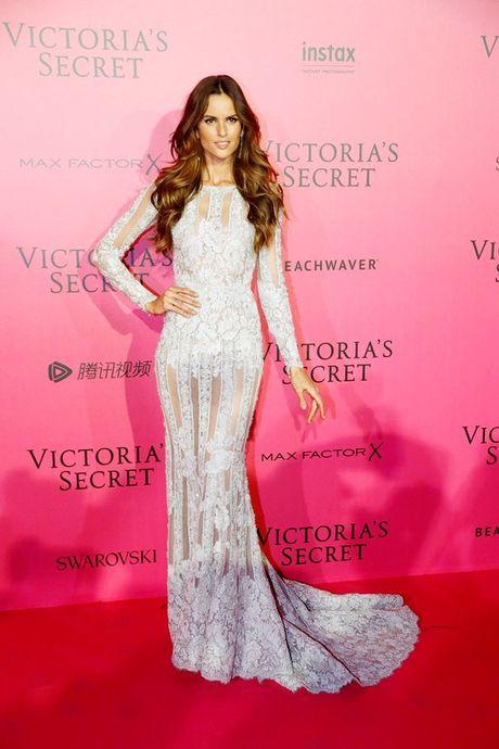 Hau tiec Victoria's Secret fashion show va dan thien than 'mac cung nhu khong' - Anh 3