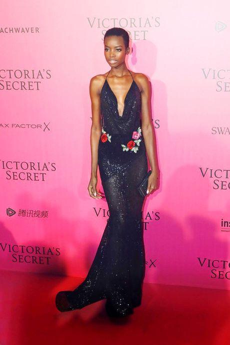 Hau tiec Victoria's Secret fashion show va dan thien than 'mac cung nhu khong' - Anh 6