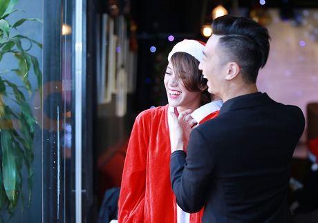 SlimV khong ngai ngan cong khai cham soc ban gai chon dong nguoi - Anh 3