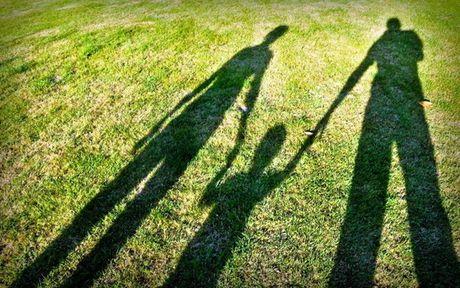 Chuyen gia tu van: Hoang mang khi thay ket qua xet nghiem mau cua con trai - Anh 1
