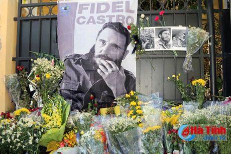Bi thu Tinh uy Le Dinh Son vieng lanh tu Fidel Castro - Anh 7