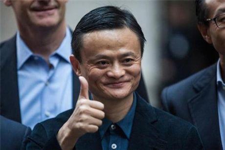 Chi khung 145.000 USD de co ngoai hinh giong het ty phu Jack Ma - Anh 2