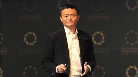 Chi khung 145.000 USD de co ngoai hinh giong het ty phu Jack Ma - Anh 5