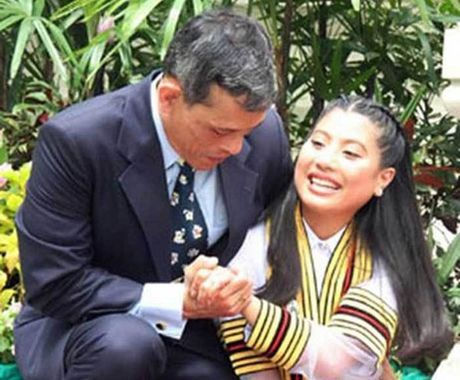 Cuoc doi tan nha vua Thai Lan - Anh 11