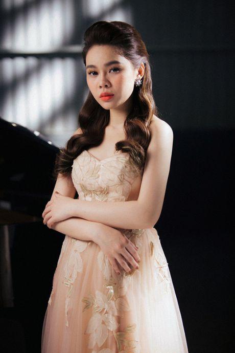 Giang Hong Ngoc khoc het nuoc mat trong MV ca khuc duoc tang tu Ha Ho - Anh 5