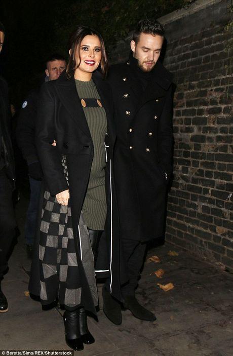 Cheryl dang mang thai con cua cuu thanh vien One Direction? - Anh 2