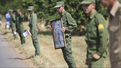 Le dua di hai lanh tu Fidel Castro ve Santiago de Cuba - Anh 13