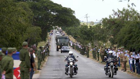 Le dua di hai lanh tu Fidel Castro ve Santiago de Cuba - Anh 15
